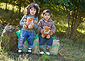 04/10/2010   Copyright  Pic : James Stewart.014_helix_monday  .::  HELIX PROJECT ::  KIDS HEAD OFF TO THEIR TEDDY BEAR PICNIC ::.