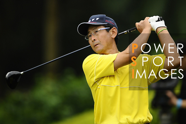 TAIPEI, TAIWAN - NOVEMBER 18:  David Ishii of the USA tees off on the 16th hole during day one of the Fubon Senior Open at Miramar Golf & Country Club on November 18, 2011 in Taipei, Taiwan. Photo by Victor Fraile / The Power of Sport Images