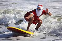Abaca_Surfing_Santas_0701