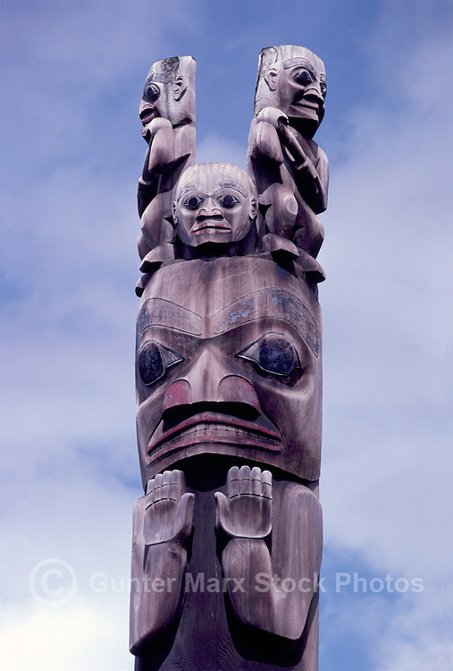 Gitxsan (Gitksan aka Tsimshian) Totem Pole, Gitanyow (Kitwancool), Northern BC, British Columbia, Canada