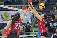 CALI - COLOMBIA, 18-09-2021: Chile (CHI) y Perú (PER) en partido como parte del XXXIV Campeonato Sudamericano de Voleibol Femenino 2021 en el coliseo Luis F Castellanos de Barrancabermeja, Colombia. / Chile (CHI) and Peru (PER) in a match as part of XXXIV South American Women's Volleyball Championship 2021 at the Luis F Castellanos Coliseum in Barrancabermeja, Colombia .  Photo: VizzorImage / Nelson Rios / Cont