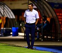ENVIGADO - COLOMBIA, 06-11-2020: Alexis Garcia, tecnico de La Equidad, durante partido entre Envigado F. C. y La Equidad de la fecha 18 por la Liga BetPlay  DIMAYOR 2020, en el estadio Polideportivo Sur de la ciudad de Envigado. / Alexis Garcia, coach of La Equidad during a match between Envigado F. C., and La Equidad of the 18th date  for the BetPlay DIMAYOR League 2020 at the Polideportivo Sur stadium in Envigado city. Photo: VizzorImage / Luis Benavides / Cont.