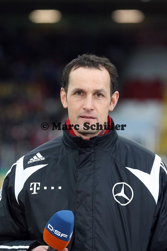 Trainer Heiko Herrlich (Deutschland)<br /> Deutschland vs. Finnland, U19-Junioren<br /> *** Local Caption *** Foto ist honorarpflichtig! zzgl. gesetzl. MwSt. Auf Anfrage in hoeherer Qualitaet/Aufloesung. Belegexemplar an: Marc Schueler, Am Ziegelfalltor 4, 64625 Bensheim, Tel. +49 (0) 151 11 65 49 88, www.gameday-mediaservices.de. Email: marc.schueler@gameday-mediaservices.de, Bankverbindung: Volksbank Bergstrasse, Kto.: 151297, BLZ: 50960101