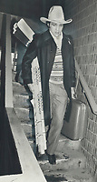 1989 FILE PHOTO - ARCHIVES -<br /> <br /> Williams was sent packing by Imlach to Vancouver after a game one night in New York. He had predicted his move earlier that day.