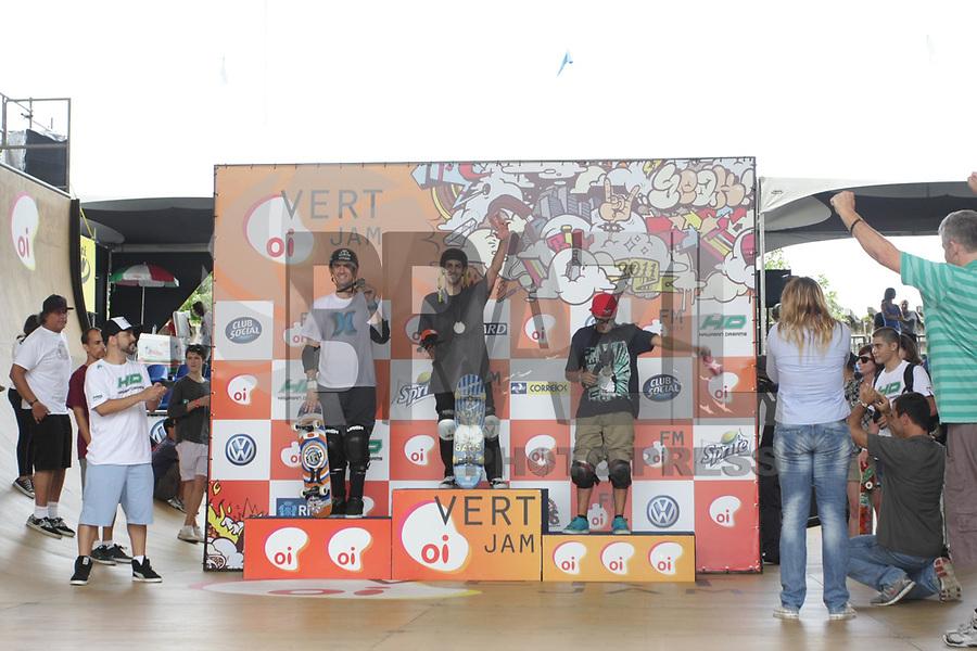 Final da OIVERTJAM 2011 - vendedores: Marcelo Bastos, Bob Burnquist e Rony Gomes.