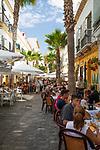 Spanien, Andalusien, Cadiz: Restaurants an der Calle Virgen de la Palma | Spain, Andalusia, Cadiz: Restaurants along the Calle Virgen de la Palma