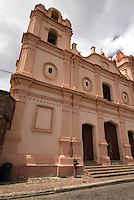 Cuba, Plaza del Carment  und Iglesia del Carmen in Camagüey, Unesco-Weltkulturerbe