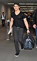 Singer Hunter Hayes arrives in Japan