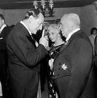 Andre Malraux ministre culturel de France  (G) en visite a Quebec - Invites, lieutenant-gouverneur du Quebec, Paul Comtois (D)<br /> , le 11 octobre 1963<br /> <br /> Photographe : Photo Moderne<br /> - Agence Quebec Presse