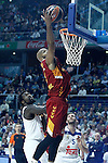 Real Madrid's Othello Hunter (l) and Galatasaray Odeabank Istambul's   Alex Tyus during Euroleague, Regular Season, Round 5 match. November 3, 2016. (ALTERPHOTOS/Acero)