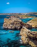 Malta, Insel Comino: Blick ueber die Blaue Lagune zur Insel Gozo | Malta, Island Comino: view across Blue Lagoon towards Island Gozo