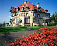 USA, Oregon, Pittock Mansion located in the West Hills of Portland