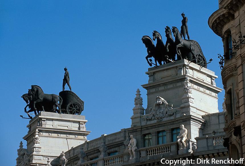 Spanien, Bankgebäude auf der Calle Alcala in Madrid