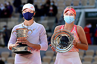 10th October 2020, Roland Garros, Paris, France; French Open tennis, Ladies singles final 2020; Winner Iga SWIATEK POL and Sofia KENIN USA pose with the trophies in the Philippe Chatrier court after the Final of the French Open tennis tournament