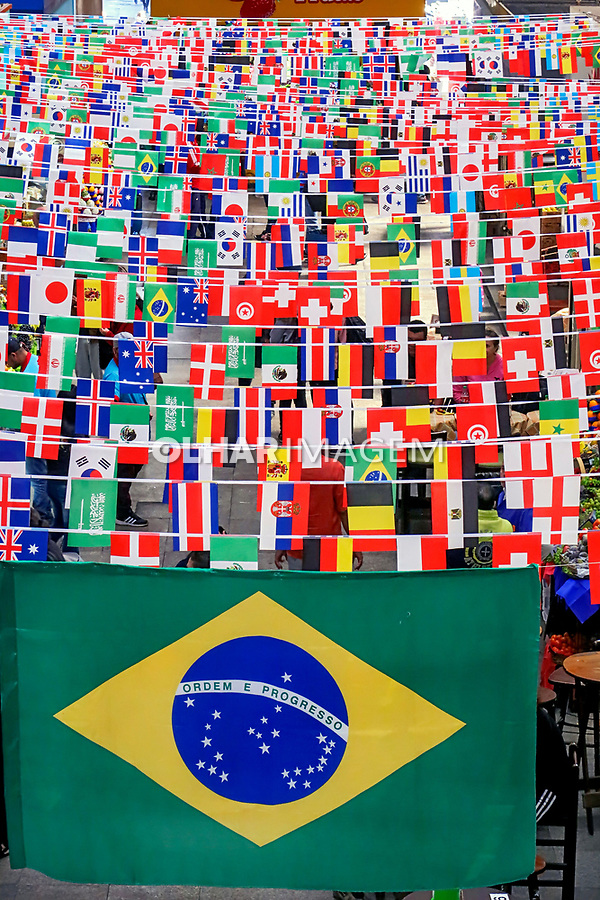Decoraçao da Copa do Mundo, Mercado Municipal, Sao Paulo. 2018. Foto de Juca Martins.