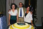 """VITTORIO GASSMAN TRA FANNY ARDANT E STEFANIA SANDRELLI - FESTA FIL """"LA FAMIGLIA"""" ROMA 1987"""