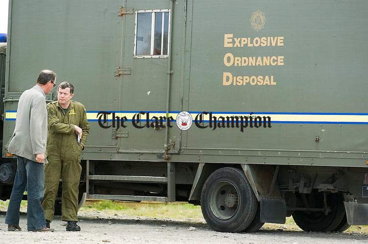 The Army Bomb Disposal Unit arrive at the house near Doonbeg where a bomb was found under a car.Pic Arthur Ellis.