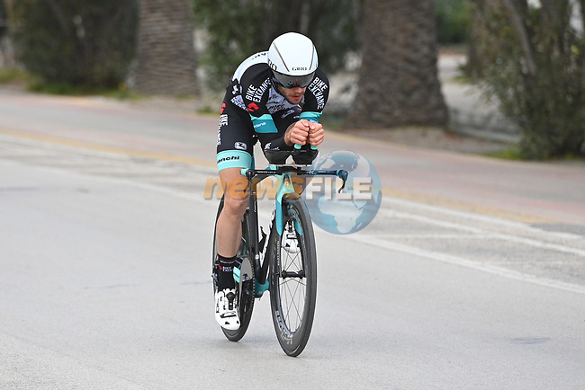 Simon Yates (GBR) Team BikeExchange recons Stage 7 of Tirreno-Adriatico Eolo 2021, an individual time trial running 10.1km around San Benedetto del Tronto, Italy. 16th March 2021. <br /> Photo: LaPresse/Marco Alpozzi | Cyclefile<br /> <br /> All photos usage must carry mandatory copyright credit (© Cyclefile | LaPresse/Marco Alpozzi)
