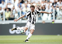 Calcio, Serie A: Torino, Allianz Stadium, 19 agosto 2017. <br /> Juventus' Claudio Marchisio in action during the Italian Serie A football match between Juventus and Cagliari at Torino's Allianz Stadium, August 19, 2017.<br /> UPDATE IMAGES PRESS/Isabella Bonotto