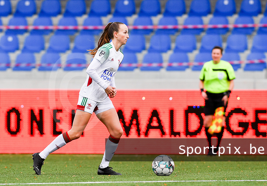 OHL's Sari Kees pictured during a female soccer game between Club Brugge Dames YLA and Oud Heverlee Leuven on the 8 th matchday of the 2020 - 2021 season of Belgian Scooore Womens Super League , saturday 21 th November 2020  in Knokke , Belgium . PHOTO SPORTPIX.BE | SPP | DAVID CATRY