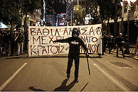 2014 12 02 Violent clashes betrween protesters and riot police,Athens,Greece