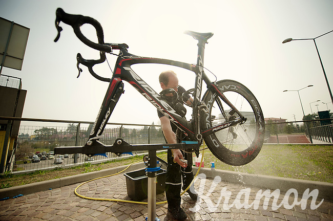 Milan-San Remo 2012 preparations.<br /> the day before.<br /> cleaning the Noah