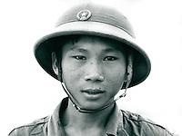 Mann mit Tropenhelm, Vietnam 1991