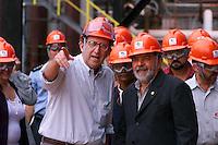 O presidente Luiz Inacio Lula da Silva e o diretor industrial da Alunorte Galib Chaim durante visita para inauguracao da expansao da fabrica da Alunorte Alumina do Norte do Brasil SA. Uma das 5 maiores prdutoras de alumina do mundo <br />Barcarena Para Brasil<br />04/04/2003 Digital<br />Foto Paulo santos/Interfoto