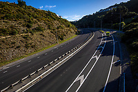 9am Wednesday, State Highway One Wellington urban motorway at Ngauranga Gorge during lockdown for the COVID19 pandemic in Wellington, New Zealand on Wednesday, 15 April 2020. Photo: Dave Lintott / lintottphoto.co.nz