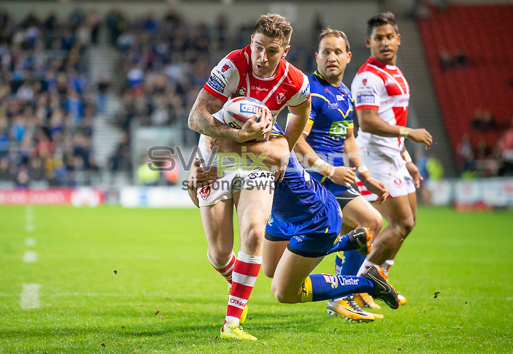 Picture by Allan McKenzie/SWpix.com - 04/10/2018 - Rugby League - Betfred Super League - The Super 8's - St Helens v Warrington Wolves - The Totally Wicked Stadium, Langtree Park, St Helens, England - St Helens' Mark Percival evading Warrington tacklers.