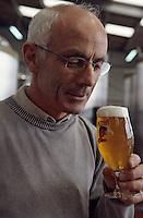 Europe/France/Bretagne/29/Finistère/Ploudalmézeau: Brasserie des Abers - Bière Mutine - Bière aux Algues Ouessane- Daniel Adam brasseur [Non destiné à un usage publicitaire - Not intended for an advertising use]