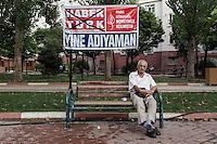 Le slogan -Encore Adiyaman -. La chaine Haber Turk stigmatisait la ville d'Adiyaman, soit disante fabricante de Kamikazes.