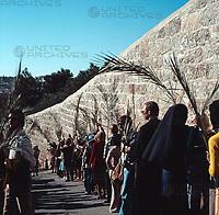 Palmsonntag in Israel, 1970er Jahre. Palm Sunday in Israel, 1970s.