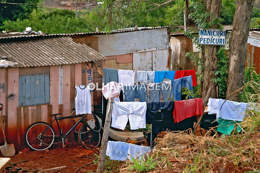 Barracos de favela no Jardim Maraba. Londrina. Parana. 2010. Foto de Olga Leiria.