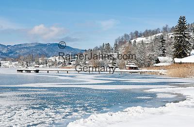 Germany, Bavaria, Upper Bavaria, Tegernseer Valley, Winter at Lake Tegern; view across the lake towards Tegernsee