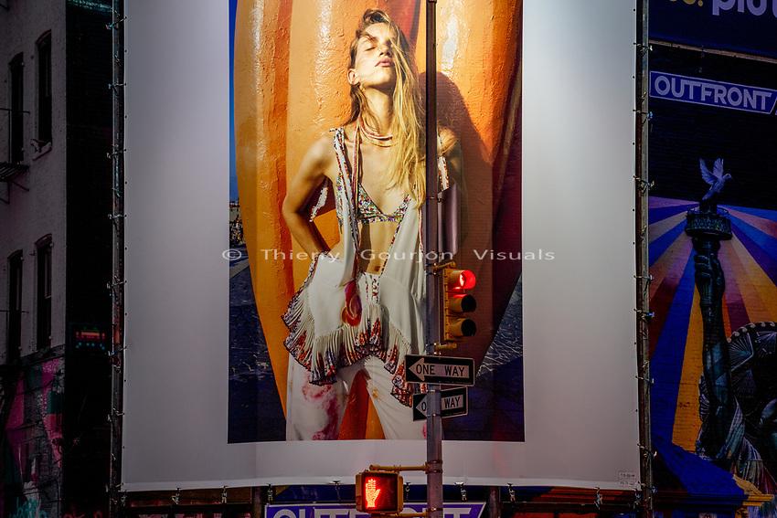 "Thompson St / Watts St.<br /> From the ""Tall Figures"" series. <br /> Manhattan, New York.<br /> © 2020 Thierry Gourjon"