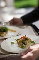 Europe/France/2A/Corse du Sud/Porto-Vecchio: Service  à l' Hôtel-Restaurant Don Cesar