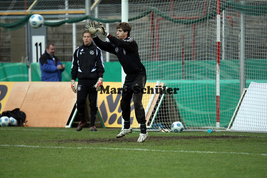 Kevin Trapp (Kaiserslautern)<br /> Deutschland vs. Finnland, U19-Junioren<br /> *** Local Caption *** Foto ist honorarpflichtig! zzgl. gesetzl. MwSt. Auf Anfrage in hoeherer Qualitaet/Aufloesung. Belegexemplar an: Marc Schueler, Am Ziegelfalltor 4, 64625 Bensheim, Tel. +49 (0) 151 11 65 49 88, www.gameday-mediaservices.de. Email: marc.schueler@gameday-mediaservices.de, Bankverbindung: Volksbank Bergstrasse, Kto.: 151297, BLZ: 50960101