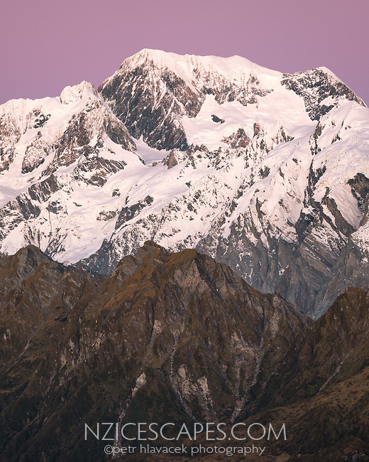 Alpen Glow, twilight, dusk on highest peaks of Southern Alps Mount Tasman, Aoraki Mount Cook and La Perouse, Westland Tai Poutini National Park, UNESCO World Heritage Area, West Coast, New Zealand, NZ