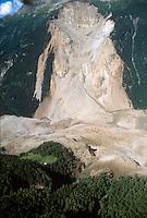 - Valtellina, landslide of Coppetto Peak (July 1987)..- Valtellina, frana di Pizzo Coppetto (luglio 1987)