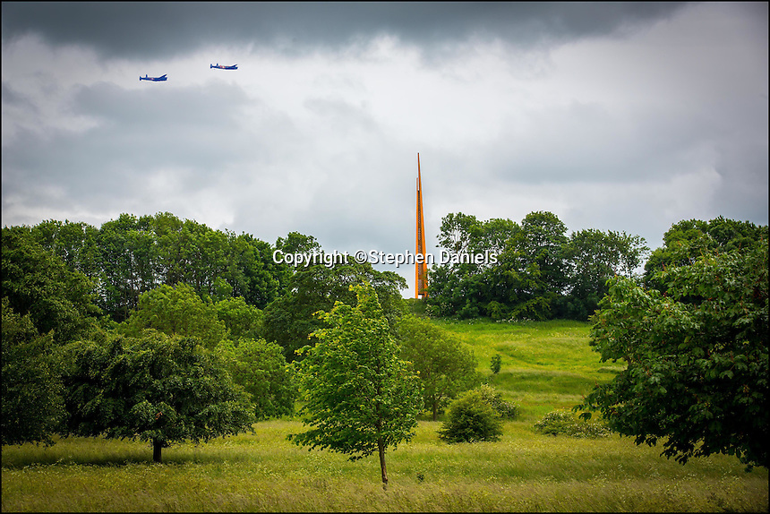 Photo by © Stephen Daniels -MONTAGE-<br />