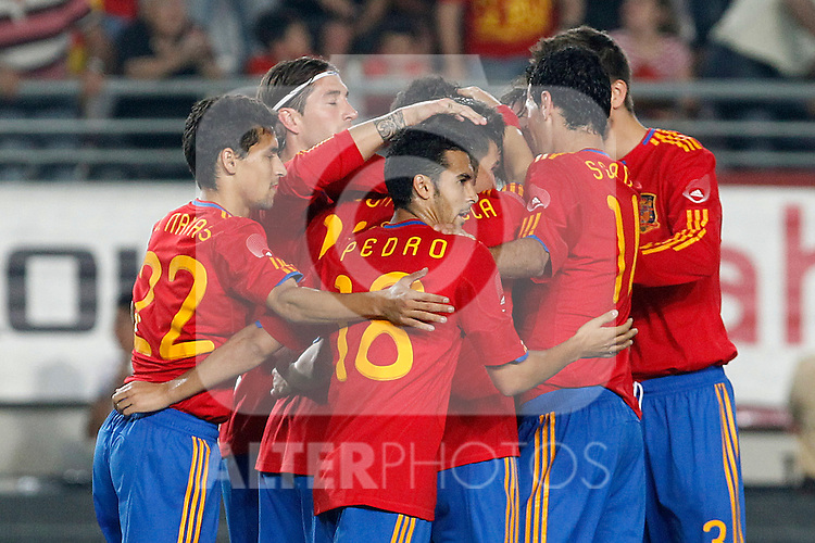 Spain's players celebrate during Friendly match. June 8, 2010. (ALTERPHOTOS/Acero)