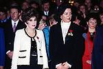 GINA LOLLOBRIGIDA ALL'ELISEO PER L'ASSEGNAZIONE DELLA LEGION D'ONORE PARIGI 1993