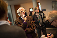 73. Sitzungs des NSA-Untersuchungsausschuss des Deutschen Bundestages am Mittwoch den 25. November 2015.<br /> Im Bild: Christian Stroebele, Mitglied fuer B90/Die Gruenen im Ausschuss, spricht zu Journalisten ueber einen Streit in der geschlossenen Sitzung zwischen den Vertretern der Opposition und der Regierung zum Thema der Liste der BND-Selektoren.<br /> 25.11.2015, Berlin<br /> Copyright: Christian-Ditsch.de<br /> [Inhaltsveraendernde Manipulation des Fotos nur nach ausdruecklicher Genehmigung des Fotografen. Vereinbarungen ueber Abtretung von Persoenlichkeitsrechten/Model Release der abgebildeten Person/Personen liegen nicht vor. NO MODEL RELEASE! Nur fuer Redaktionelle Zwecke. Don't publish without copyright Christian-Ditsch.de, Veroeffentlichung nur mit Fotografennennung, sowie gegen Honorar, MwSt. und Beleg. Konto: I N G - D i B a, IBAN DE58500105175400192269, BIC INGDDEFFXXX, Kontakt: post@christian-ditsch.de<br /> Bei der Bearbeitung der Dateiinformationen darf die Urheberkennzeichnung in den EXIF- und  IPTC-Daten nicht entfernt werden, diese sind in digitalen Medien nach §95c UrhG rechtlich geschuetzt. Der Urhebervermerk wird gemaess §13 UrhG verlangt.]