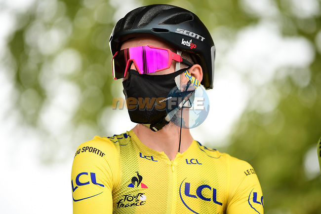 Yellow Jersey Adam Yates (GBR) Mitchelton-Scott at sign on before the start of Stage 9 of Tour de France 2020, running 153km from Pau to Laruns, France. 6th September 2020. <br /> Picture: ASO/Alex Broadway | Cyclefile<br /> All photos usage must carry mandatory copyright credit (© Cyclefile | ASO/Alex Broadway)