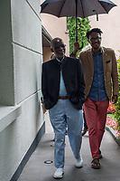 AHMAD JAMAL ARRIVE EN PRESENCE DE SEYDOU BARRY POUR UNE SEANCE DE PHOTO - FESTIVAL JAZZ A VIENNE