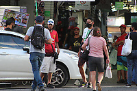 Campinas - SP, 10/03/2021 - Movimentação / Coronavírus - Comércio ambulante e camelôs desrespeitam as medidas restrivas da Fase Vermelha do Plano São Paulo, que permite apenas o funcionamento de serviço essencial. O sistema de saúde da cidade está colapso, com falta de leitos e cerca de 100 pacientes à espera de vagas na UTI.