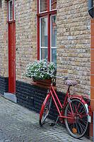 Belgique, Flandre-Occidentale, Bruges, centre historique classé Patrimoine Mondial de l'UNESCO, Maison flamande // Belgium, Western Flanders, Bruges, historical centre listed as World Heritage by UNESCO,  flemish house