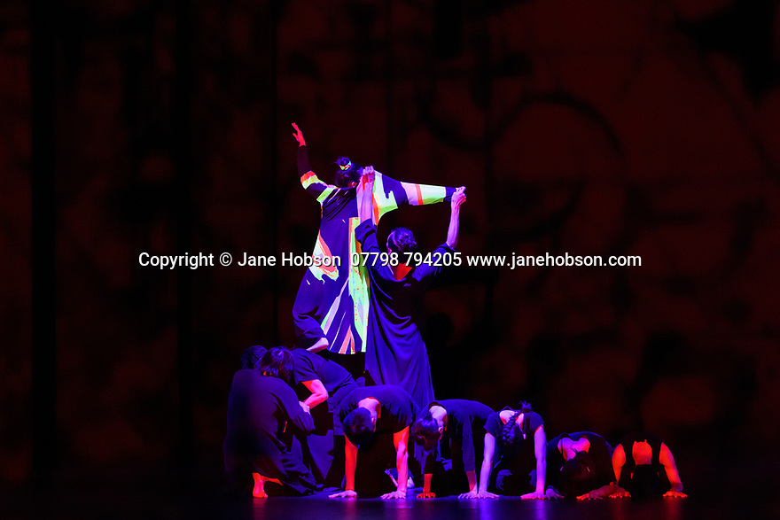 """Cloud Gate Dance Theatre of Taiwan present the Uk premiere of """"13 Tongues"""" and """"Dust"""" at Sadler's Wells. the show runs from Wednesday 26th to Saturday 29th February. the piece shows is: 13 Tongues, choreographed by Cheng-Tsung-lung."""