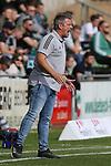 19.09.2020, Dietmar-Scholze-Stadion an der Lohmuehle, Luebeck, GER, 3. Liga, VfB Luebeck vs 1.FC Saarbruecken <br /> <br /> DFB REGULATIONS PROHIBIT ANY USE OF PHOTOGRAPHS AS IMAGE SEQUENCES AND/OR QUASI-VIDEO.<br /> <br /> im Bild / picture shows <br /> Trainer Lukas Kwasniok (1.FC Saarbruecken) bruellt<br /> <br /> Foto © nordphoto / Tauchnitz